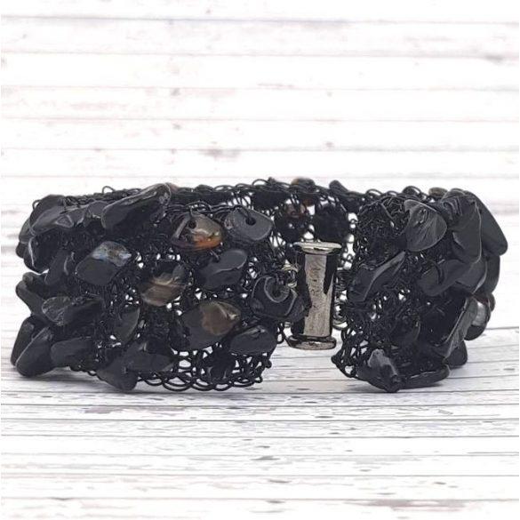 Karkötő, fekete, egyedi, kézműves, ásvány, rozsdamentes bevont ékszerdrót, mandzsetta karkötő, Szép Annuska Ékszer
