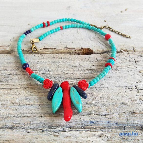 Türkiz, howlit, korall, lápisz lazuli, ásvány, nyaklánc