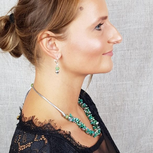Ezüst fülbevaló, zöld kerámia gyöngy, ezüstszínű hematit gyöngy, ezüstszínű fémszerelék