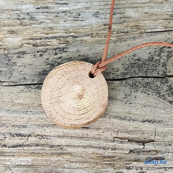 Környezetbarát, újrahasznosított fa, uszadékfa, medál, nyaklánc, bőr, hipoallergén, környezettudatos ékszer